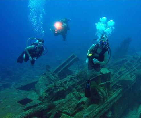 Car Pile dive site, Dive Bus Curacao